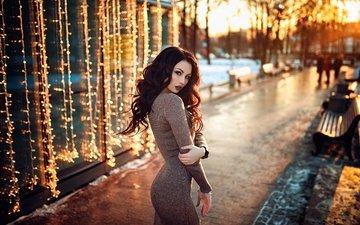 девушка, парк, платье, поза, брюнетка, взгляд, гирлянды, волосы, лицо, фигура, margarita koniukhova, hakan erenler, маргарита хворых