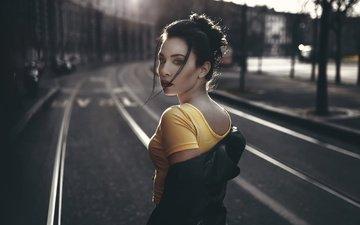 девушка, взгляд, улица, волосы, лицо, макияж, губки, luca foscili, simona hyun, lonely road