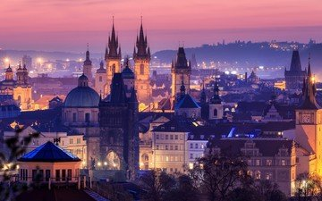 the evening, the city, prague