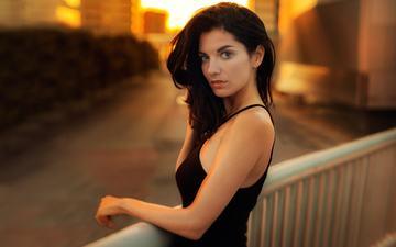 закат, девушка, брюнетка, взгляд, модель, лицо, черное платье, длинные волосы, дэвид mas