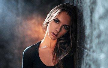 свет, девушка, портрет, брюнетка, взгляд, модель, фотосессия, студия, георгий чернядьев, виктория вишневецкая