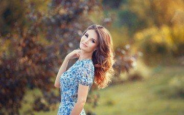 девушка, платье, взгляд, осень, модель, локоны, шатенка