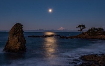 the sky, night, rocks, shore, landscape, sea, the volcano
