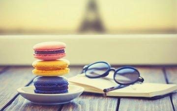 очки, выпечка, десерт, блокнот, макаруны