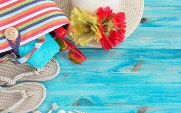 flowers, glasses, stay, resort, hat, towel, slippers, bag