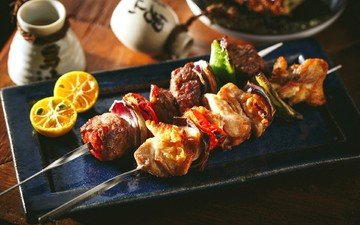 lemon, vegetables, meat, kebabs