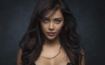 девушка, фон, портрет, брюнетка, модель, лицо, голубые глаза, фотосессия, длинные волосы