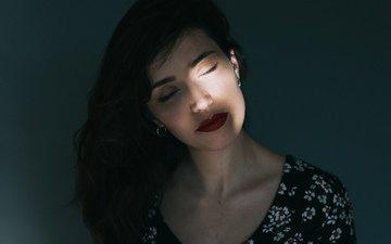 свет, девушка, волосы, лицо, красная помада, закрытые глаза, mara saiz