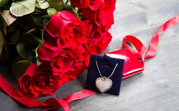 flowers, roses, heart, love, bouquet, gift, necklace, valentine's day