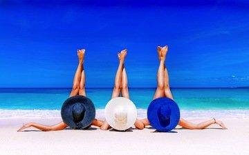небо, море, пляж, горизонт, девушки, ножки, загар, модели, шляпа, солнечно