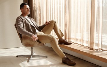 actor, chair, feet, window, photoshoot, sitting, luke evans