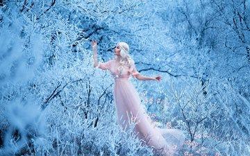 цветы, деревья, снег, природа, зима, девушка, платье, блондинка, ветки, иней, локоны