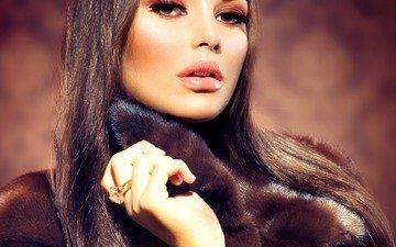девушка, портрет, взгляд, модель, кольцо, лицо, макияж, шуба, длинные волосы, карие глаза, анна субботина