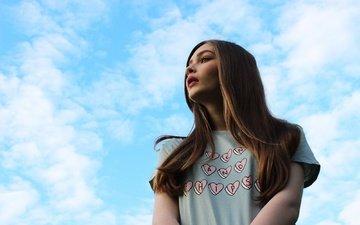 небо, облака, девушка, милая, футболка, русая, карина козырева