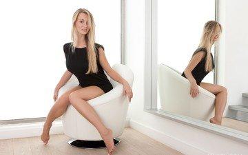 блондинка, зеркало, модель, ножки, кресло, carisha, кариша