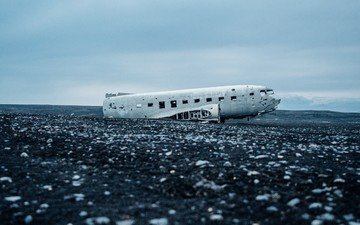 the plane, beach, the crash
