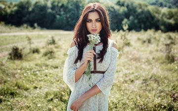 цветы, девушка, платье, взгляд, ромашки, волосы, букет, лицо, evgeny freyer