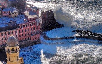 волны, побережье, италия, шторм, вернацца
