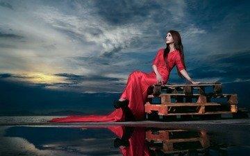 девушка, отражение, фон, поза, красное платье