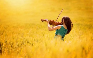 girl, field, violin, music, arif atlı