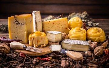 орехи, сыр, перец, специи
