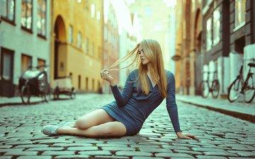 девушка, платье, блондинка, улица, модель, ножки, длинные волосы, тонни йоргенсен