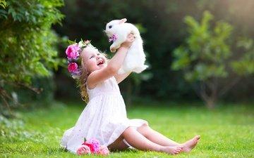 цветы, трава, природа, лето, радость, девочка, ребенок, кролик, животное, венок, gевочка