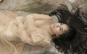 девушка, платье, взгляд, волосы, лицо, азиатка, лежа
