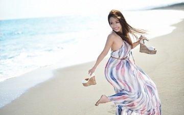 девушка, море, платье, поза, улыбка, песок, пляж, лето, взгляд, модель, волосы, лицо, akane♡♡♡