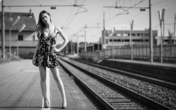 dress, black and white, model, legs, face, station, erika