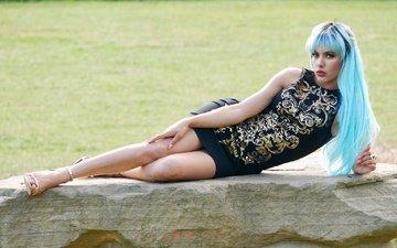 девушка, платье, взгляд, модель, ножки, лицо, голубые волосы