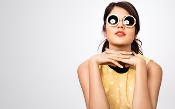 girl, brunette, glasses, model, lips, face, actress, makeup, celebrity, bollywood, indian, rhea chakraborty, ri chakraborty
