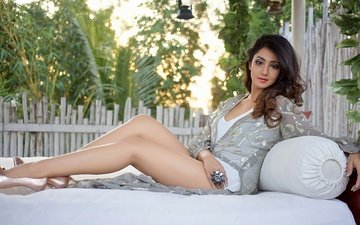 girl, pose, brunette, model, feet, face, actress, makeup, figure, bollywood, indian, aindrita ray