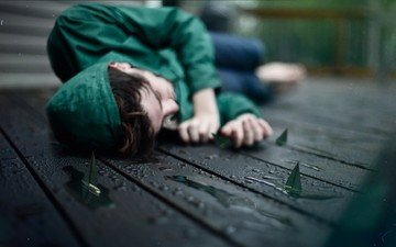 girl, paper, rain, boats, water drops, lying, in green, wooden surface