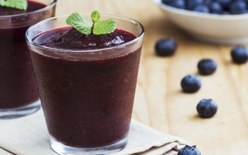 mint, berries, blueberries, glasses, smoothies