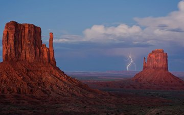 the sky, clouds, rocks, lightning, desert, canyon, utah, arizona, monument valley