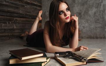 глаза, девушка, платье, улыбка, портрет, брюнетка, пистолет, книги, модель, волосы, губы, лицо, фотосессия, yri filichkin