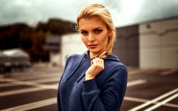 blonde, girl model, sweatshirt, theresa, miro hofmann