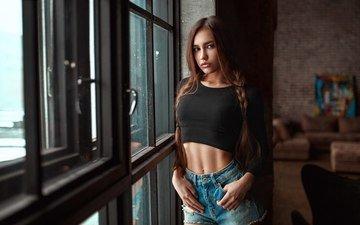 девушка, модель, губы, окно, длинные волосы, джинсовые шорты, анастасия лис, kirill rogozhkin