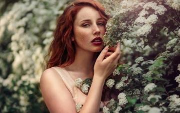 цветение, девушка, взгляд, рыжая, модель, весна, волосы, лицо, макияж, веснушки, michalina cysarz