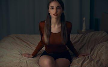 девушка, портрет, взгляд, волосы, лицо, кровать, лера, andrey firsov