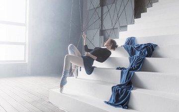 лестница, ступеньки, девушка, модель, ножки, шатенка, балерина, пуанты