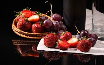 reflection, grapes, strawberry, berries