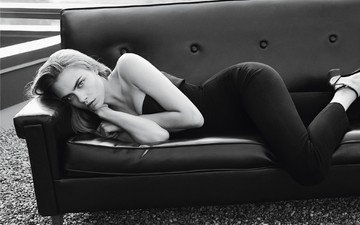 black and white, model, actress, sofa, cara delevingne