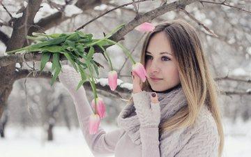 цветы, снег, дерево, девушка, ветки, весна, тюльпаны, свитер, шарф, русая, митенки