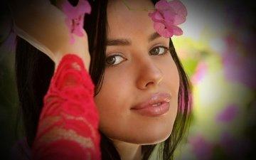 цветы, девушка, улыбка, портрет, брюнетка, взгляд, волосы, губы, лицо, макияж, lea venice