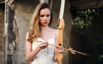 girl, weapons, blonde, look, bow, arrow, face