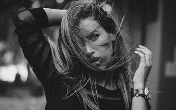 девушка, портрет, взгляд, чёрно-белое, часы, волосы, лицо, макияж