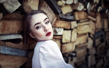 девушка, портрет, взгляд, модель, волосы, лицо, голубые глаза, красная помада, веснушки, kasia markiewicz