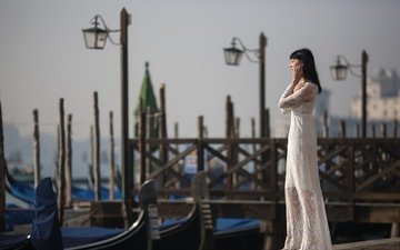 фонари, девушка, настроение, платье, поза, венеция, италия, пристань, гондолы, silvia dal maso